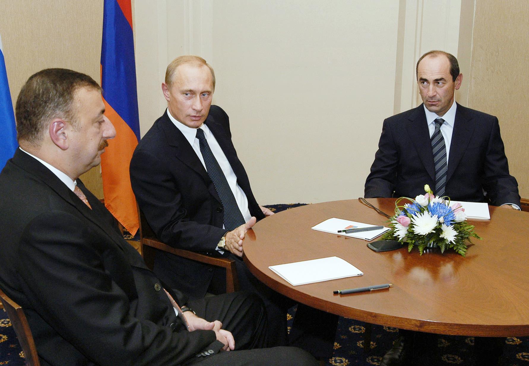 Ильхам Алиев, Владимир Путин и Роберт Кочарян. Этапы карабахского конфликта и попытки урегулирования