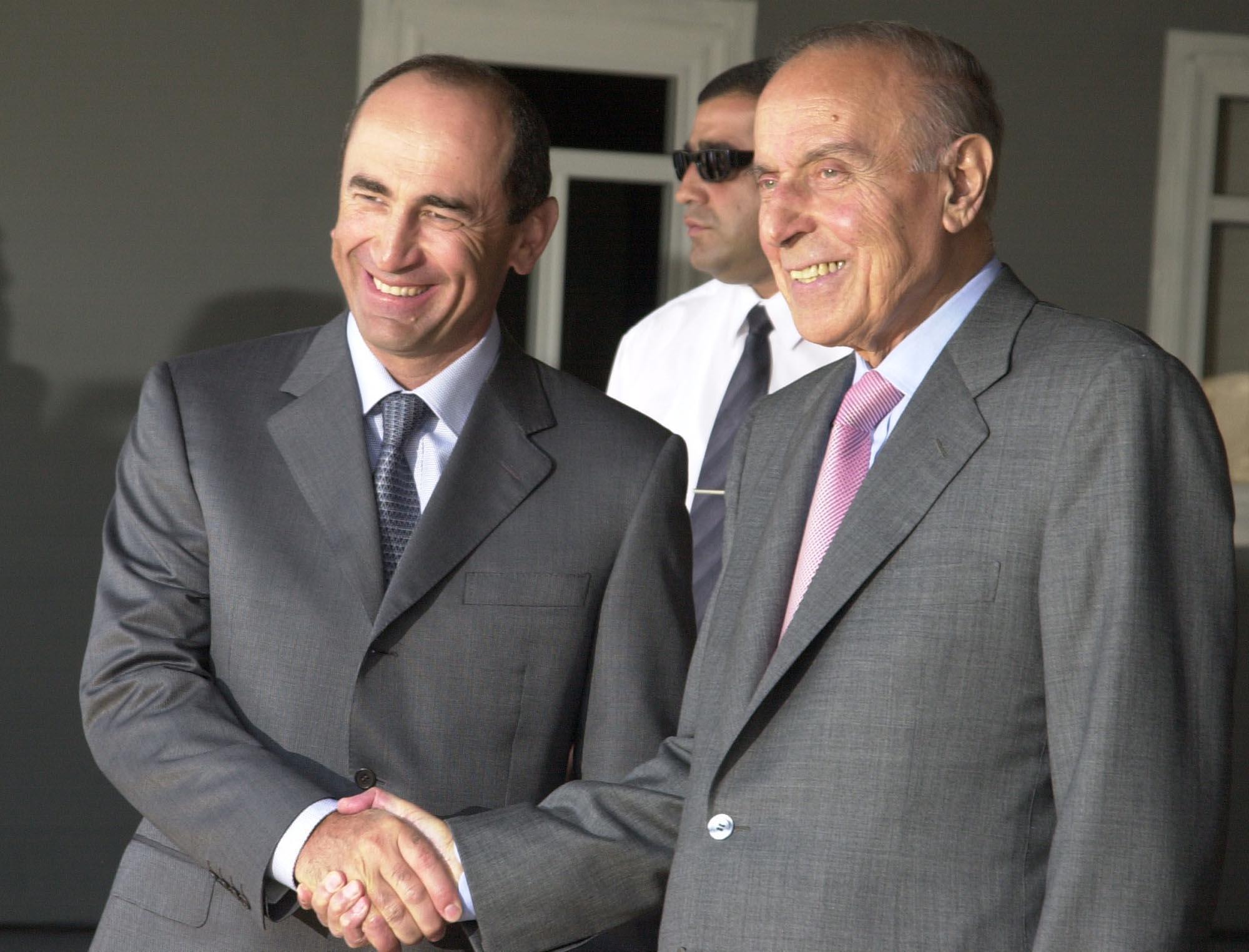 Роберт Кочарян и Гейдар Алиев. Этапы карабахского конфликта и попытки урегулирования