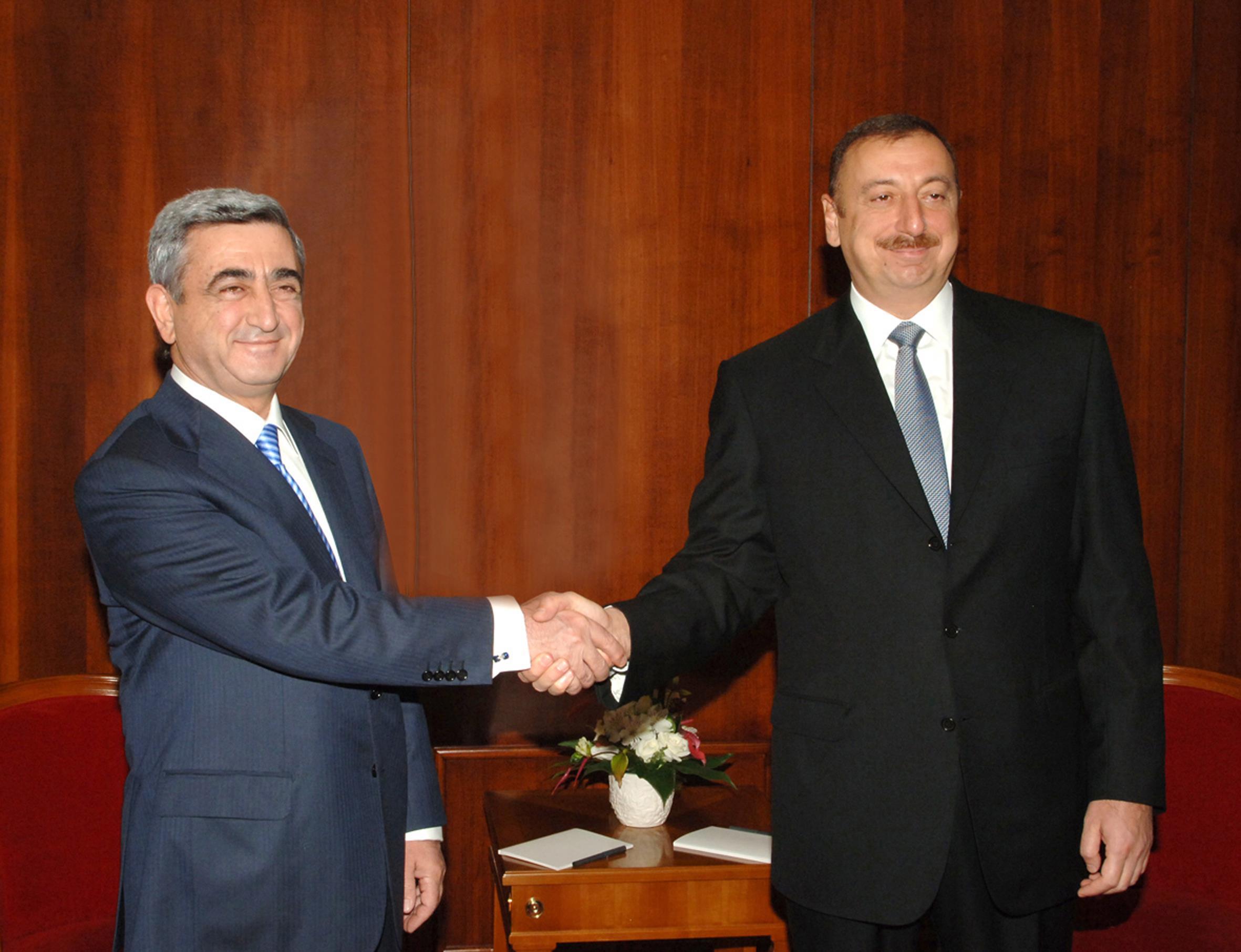 Серж Саргсян и Ильхам Алиев. Этапы карабахского конфликта и попытки урегулирования