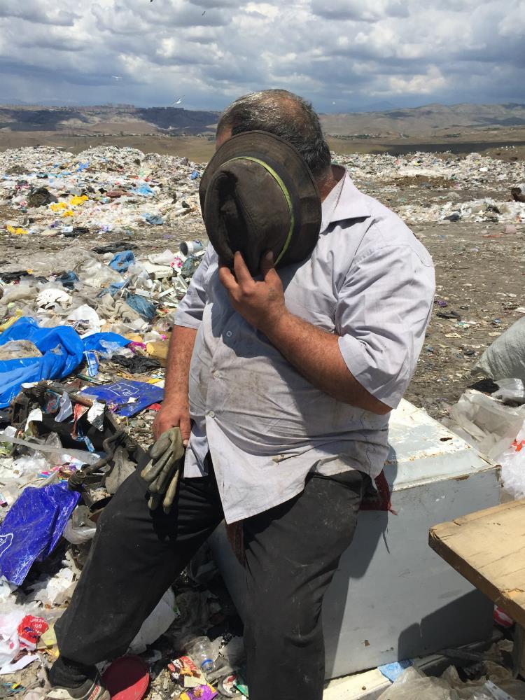 Yerevanda zibil atanlar