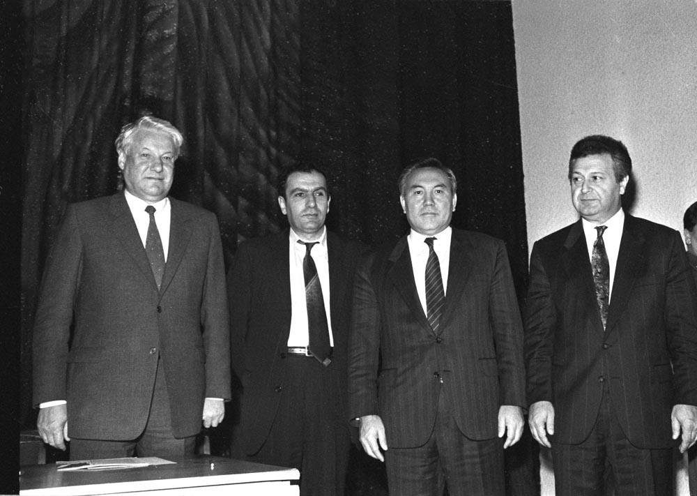 Железноводск, 1991г. Слева направо: Б. Ельцин, Л. Тер-Петросян, Н. Назарбаев, А. Муталибов. Этапы карабахского конфликта и попытки урегулирования