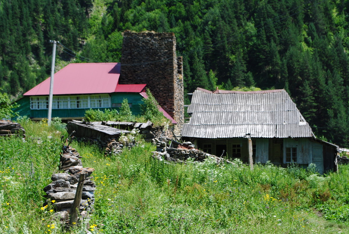 Осетинское горное село, сегодня никто не живет