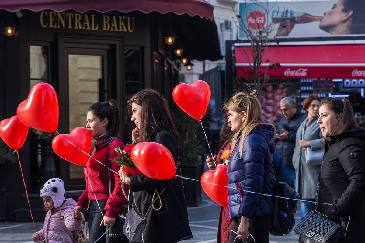 Tinder и знакомства в Азербайджане