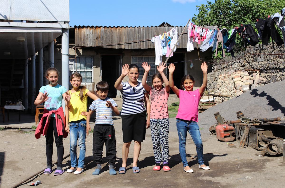 Гюнай утверждает, что семья, созданная в результате похищения, может быть счастлива. Фото Давид Пипиа, JAMnews