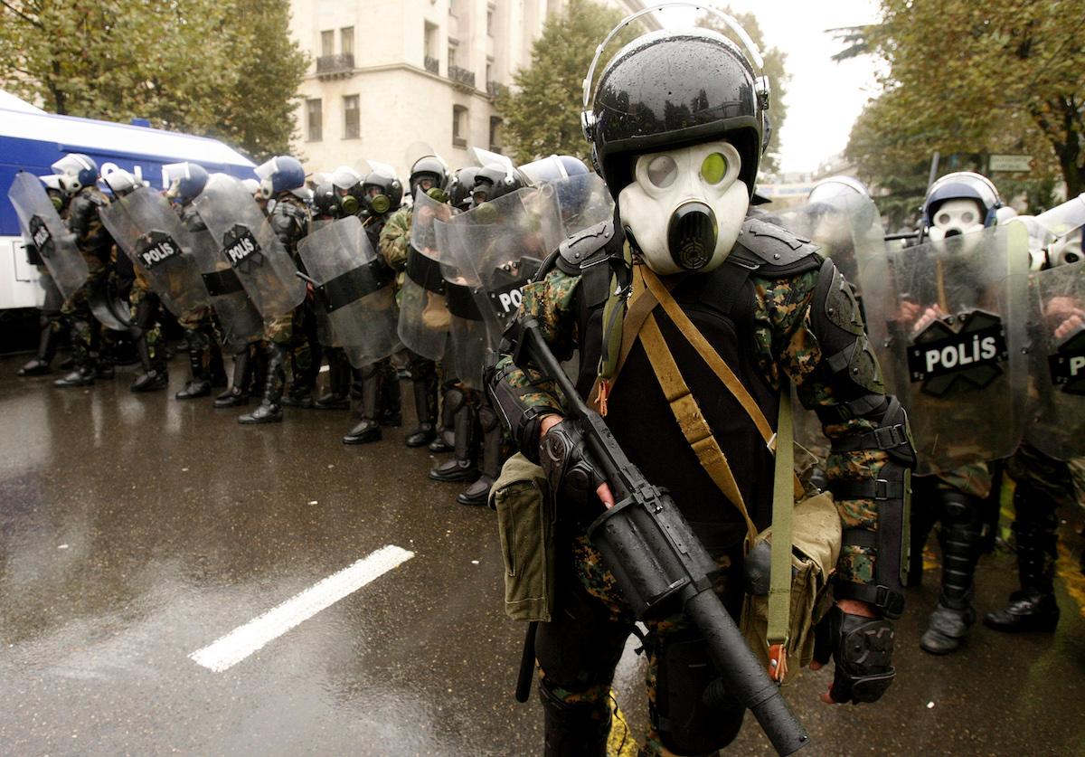 Special Forces disperse the demonstration on Rustaveli Avenue. 7 November 2007. REUTERS/David Mdzinarishvili