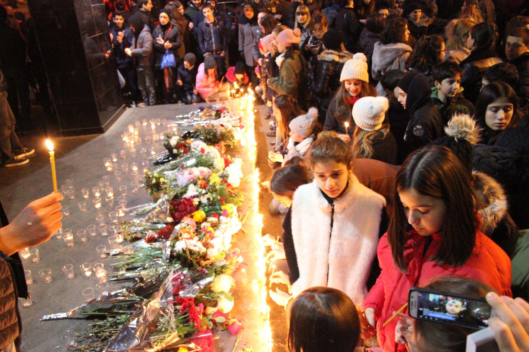 Акция в память об убитых учениках у школы #51. Фото: Леван Микадзе, JAMnews. Насилие в школах Грузии. Где выход?