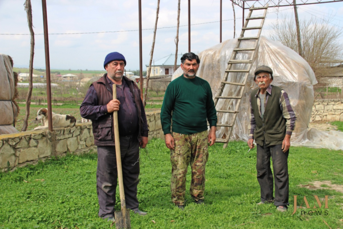 Kvemo Kartli is one of the most well-off regions in Georgia. Here Industrious Azerbaijanis cultivate fruits, vegetables, greens, and are engaged in livestock breeding. Photo: David Pipia, JAMnews. Landmines on the Georgian-Azerbaijani border.