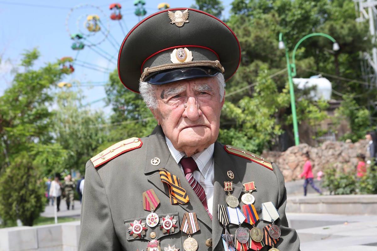 Как отмечают День победы на Кавказе. Ереван, 9 мая 2018. Фото JAMnews