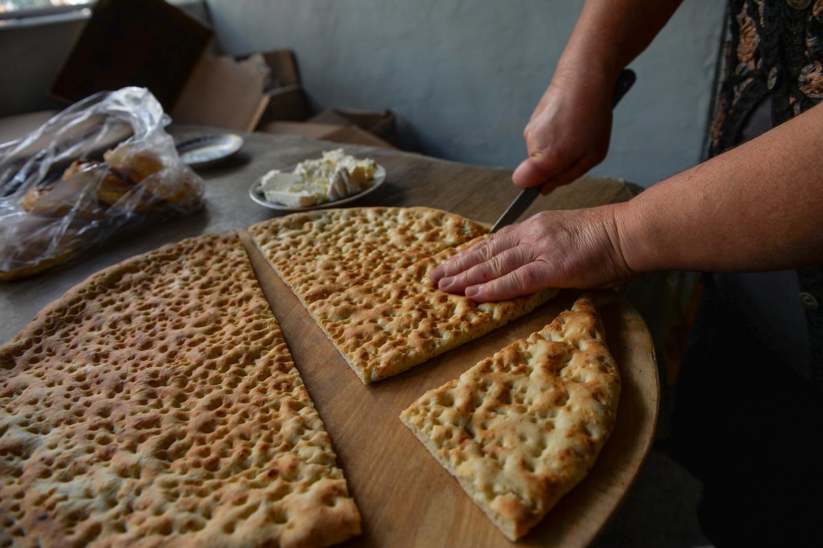 Lezgin 'sun' bread in Azerbaijan