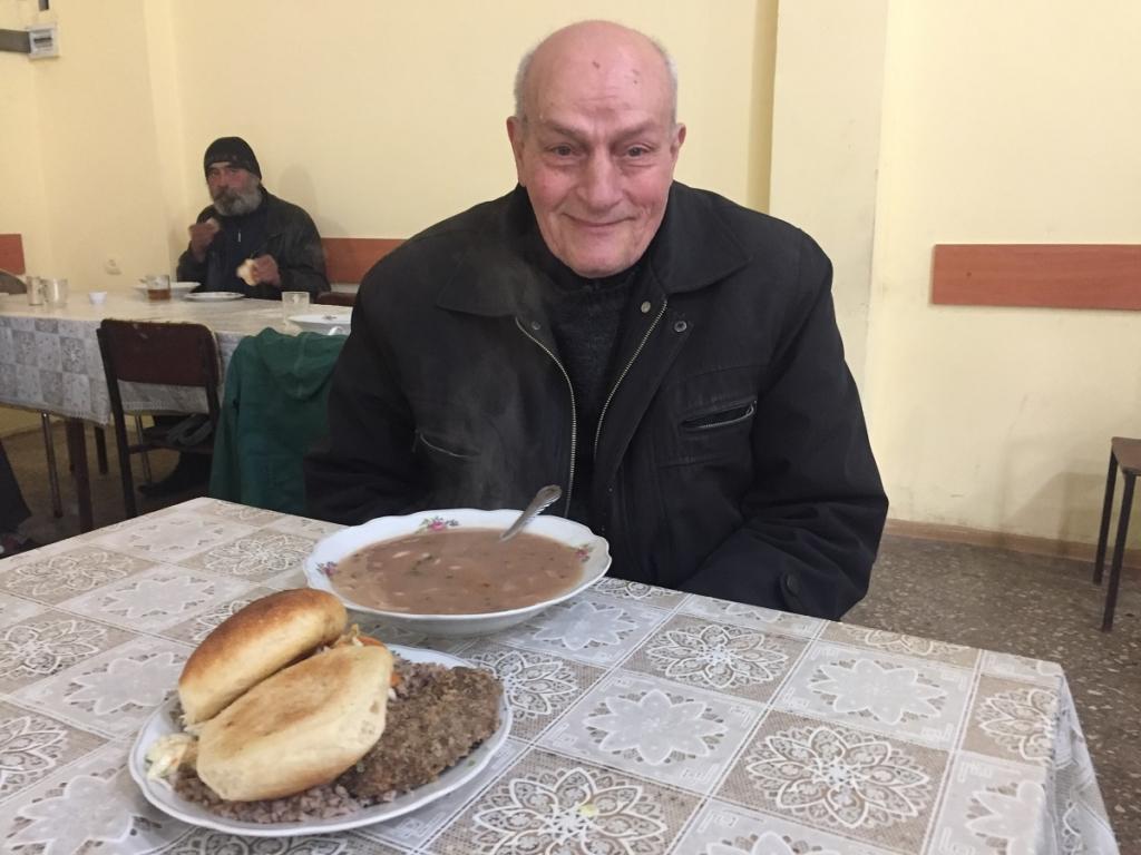 Միայնակ թոշակառուներ. Հայաստան, одинокие пенсионера, Армения,