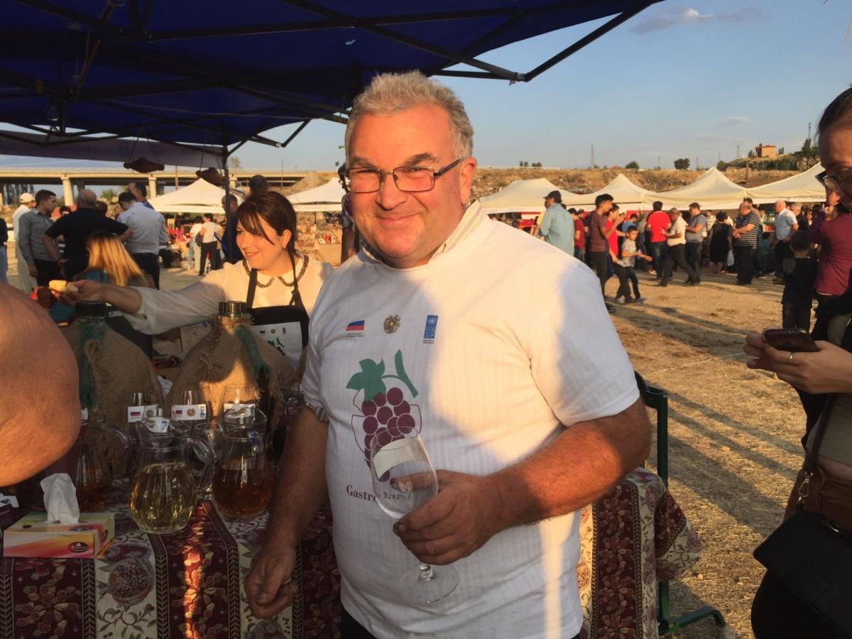 Винодел с 30-летним опытом Арцрун Мнацаканян живет в селе Бюракан. Армянские вина и производители
