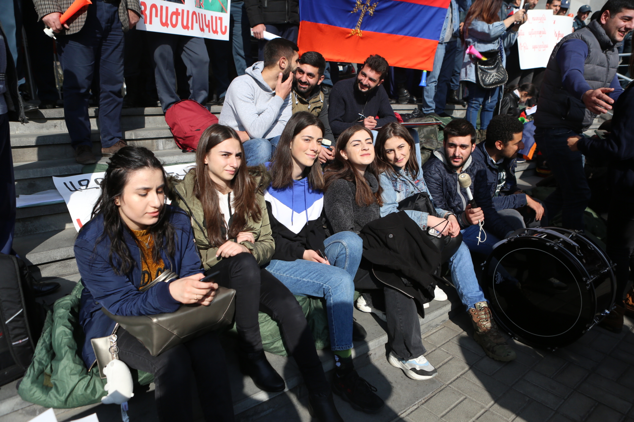 Armenian language, Armenian literature, Armenian history, Minister of Education, Araik Harutyunyan, optional subjects, optional subjects, strike, teachers, student, YSU, protest rally, faculty of philology, sit-down strike, dashnaks