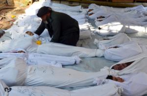 21 августа 2013 года сотни, а по некоторым данным - тысячи людей погибли в Дамаске от удушья, после того как там был распылен газ зарин