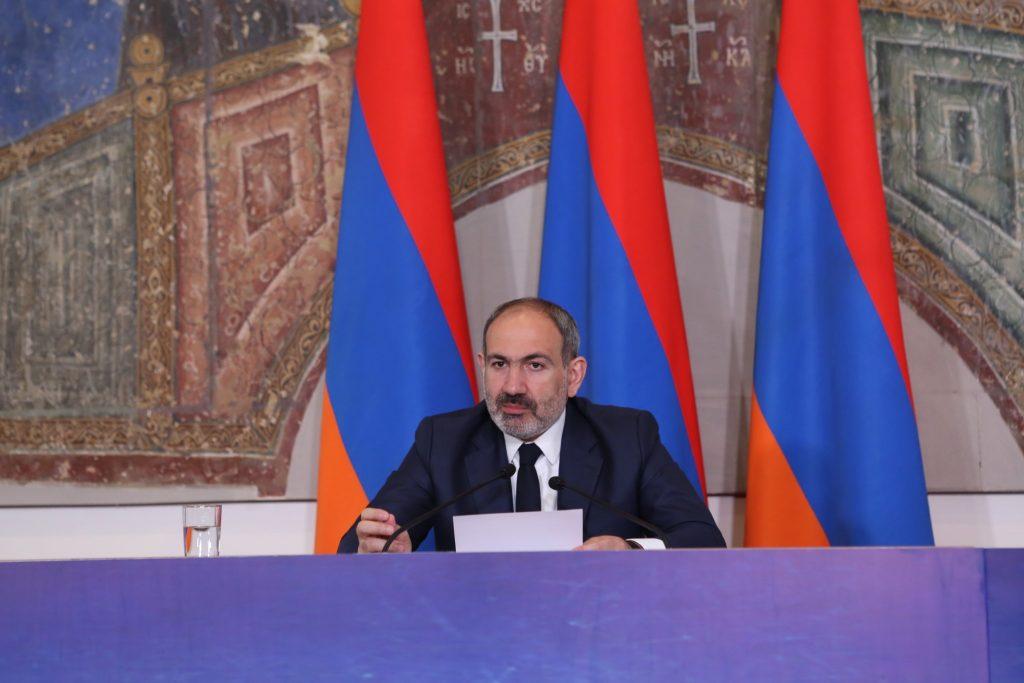 Նիկոլ Փաշինյանը պատասխանում է հայ լրագրողների հարցերին