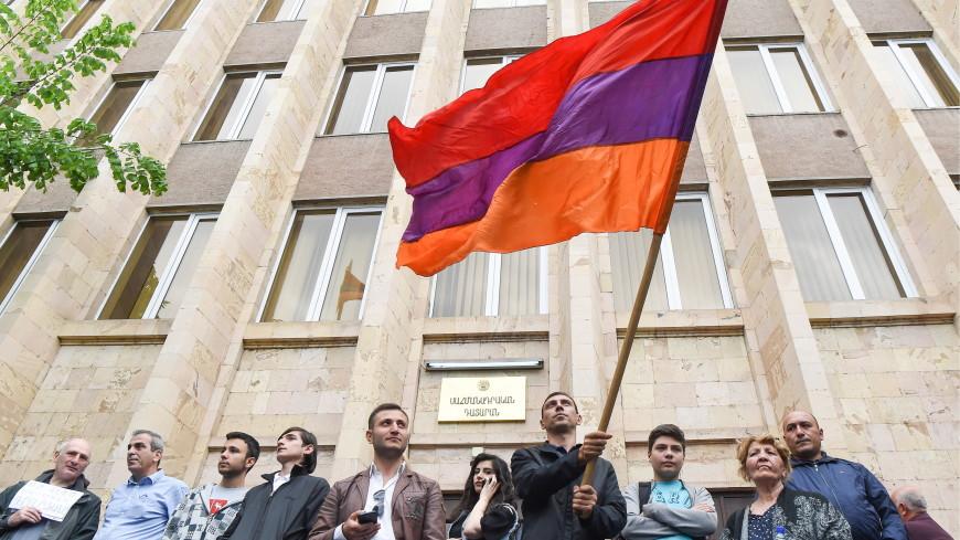 Konstitusiya Məhkəməsi, Hrayr Tovmasyan, Nikol Paşinyan