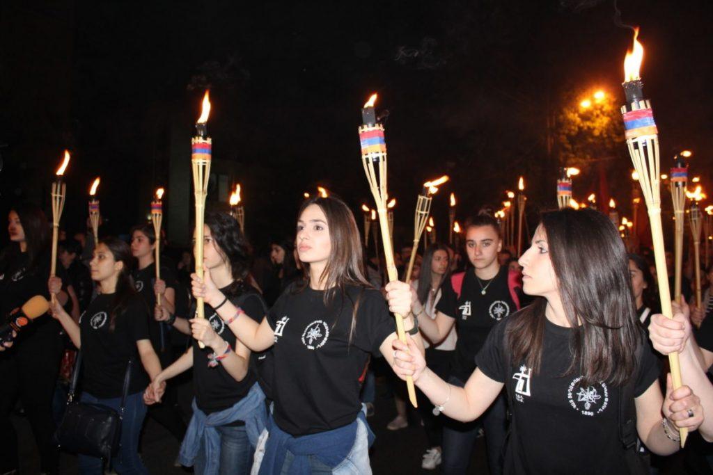 Геноцид армян, Ереван, факельное шествие,