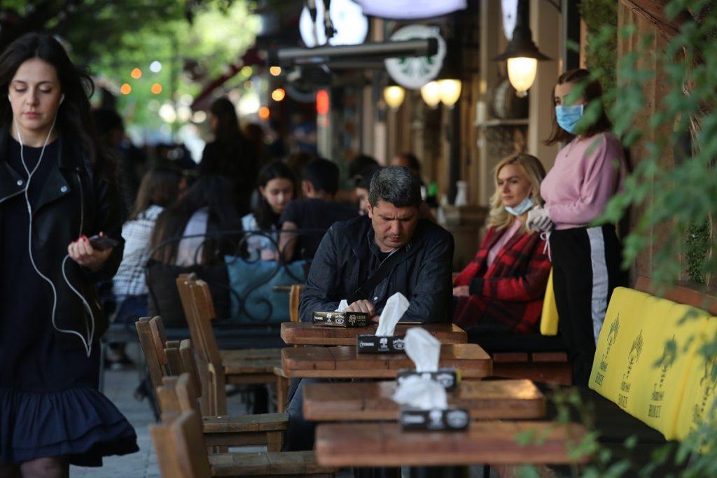 коронавирус, ограничения, карантин, чрезвычайное положение, шаги правительства, отказ от ограничений, Армения,