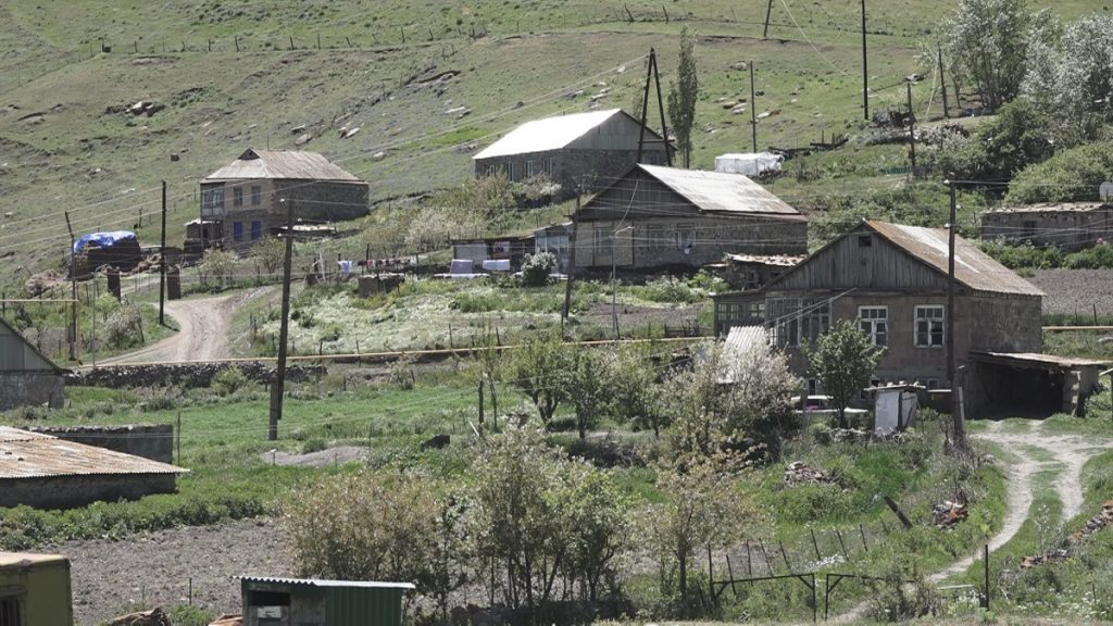 agro-revolution in the villages of Armenia, Drahtik, Semenovka, dream village Drahtik, new Semenovka, Kalavan, Gegharkunik region, Robert Ghukasyan, Prime Minister Nikol Pashinyan, Mais Margaryan, agritourism, hiking, Lake Sevan,