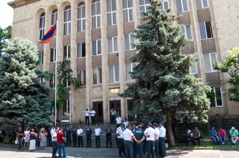 constitutional amendments, Constitutional Court, Hrayr Tovmasyan, Nikol Pashinyan