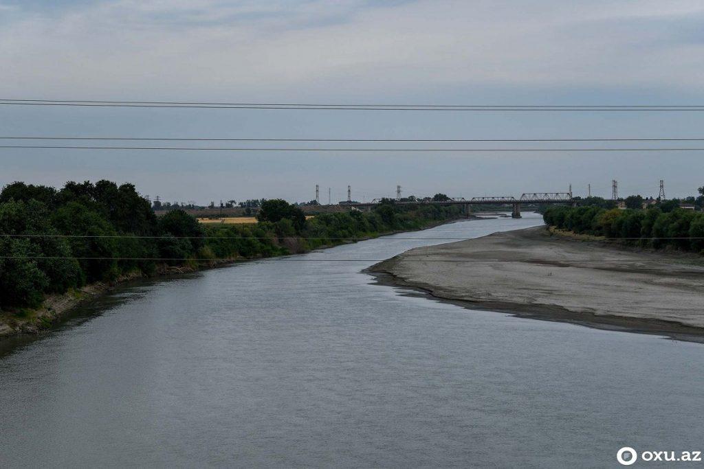 Уровень Куры опустился настолько, что уже видна почва, по мнению экспертов, причиной может быть Мингячевирское водохранилище