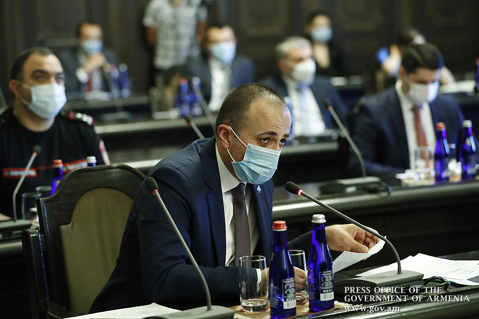 коронавирус, вакцина, министр здравоохранения, Арсен Торосян, премьер-министр, Никол Пашинян, Модерна, Нубар Афеян,