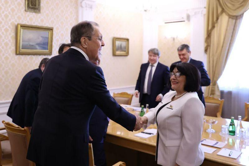 Ադրբեջանի խորհրդարանի մամուլի ասուլիս, Նիկոլ Փաշինյան, Հայաստանի վարչապետ, ադրբեջանական խորհրդարանի խոսնակ, Սահիբա Գաֆարովա, ղարաբաղյան հակամարտություն