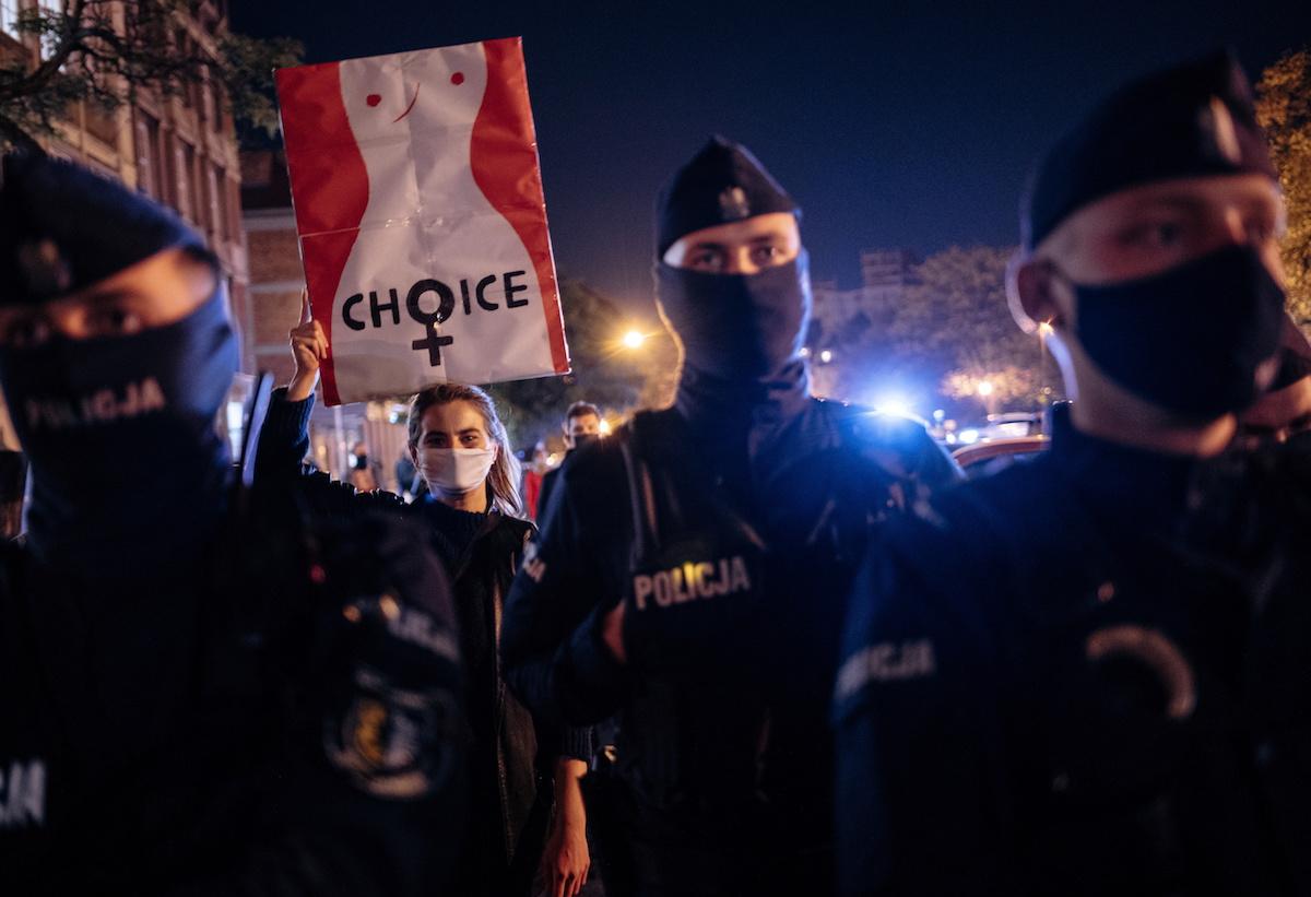 Qdanskda, Polşada abortların qadağan olunmasına qarşı aksiya. 23 oktyabr 2020. Bartosz Banka/Agencja Gazeta/via REUTERS