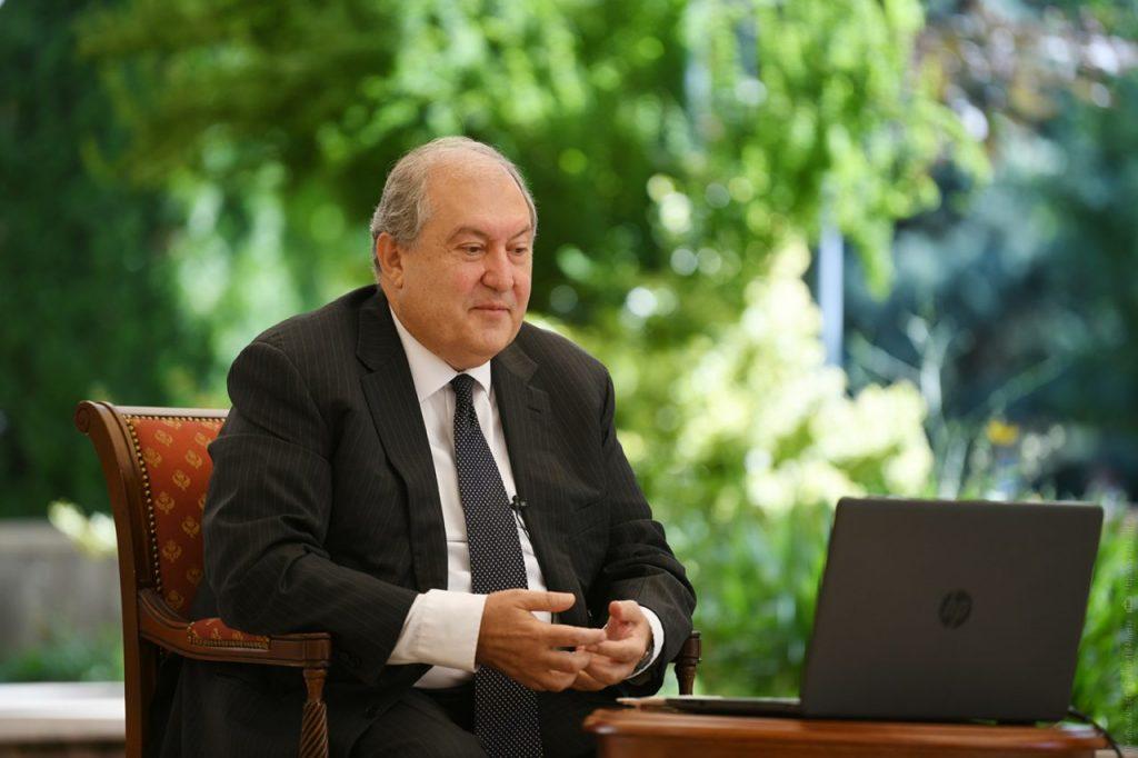 президент Армении, Армен Саргсян, отставка премьер-министра, внеочередные парламентские выборы, политические консультаций, трехсторонний документ о прекращении огня в Карабахе,