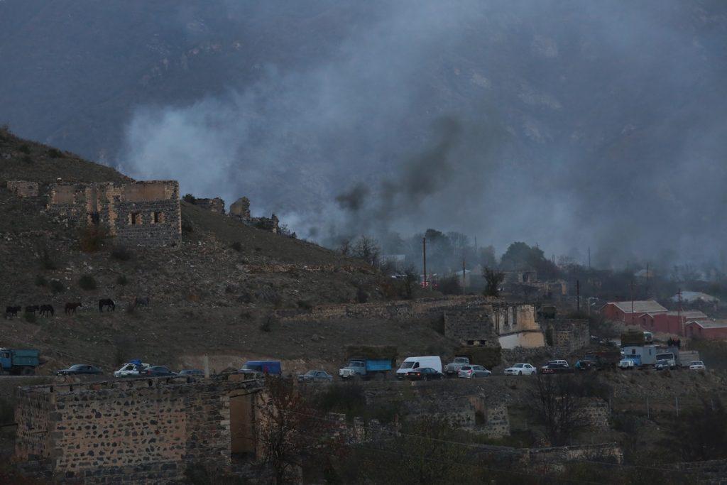 армяне уходят с территорий, передающихся Азербайджану, паломники едут попрощаться со святыней, видео, трехстороннее соглашение, Армения, Азербайджан, Россия, война в Карабахе, российские миротворцы, кадры с мест, которые перейдут под контроль Азербайджана,