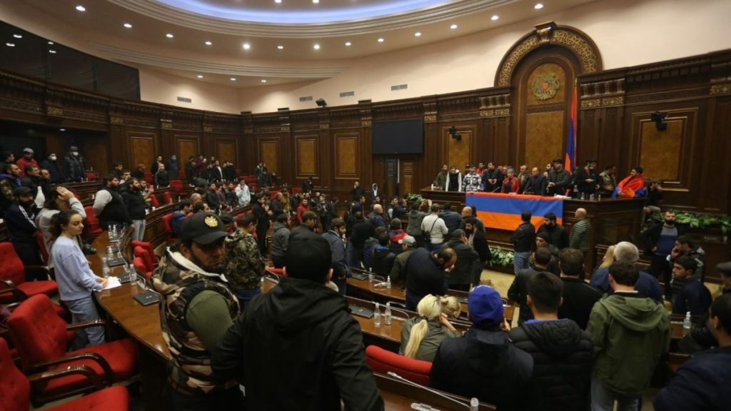 prime minister of Armenia, Nikol Pashinyan, agreement on Karabakh, will the war end, army, cessation of hostilities, people, opposition, protest, president of Armenia, Armen Sargsyan, president of Karabakh, protection of national interests
