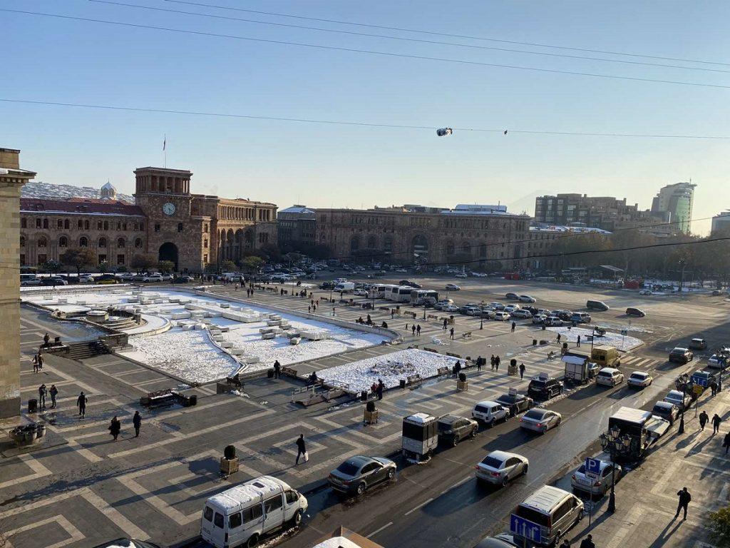 новости Армения, Новый год без елки, видео, Ереван, мэрия Еревана, в восстановение Степанакерта, война в Карабахе,