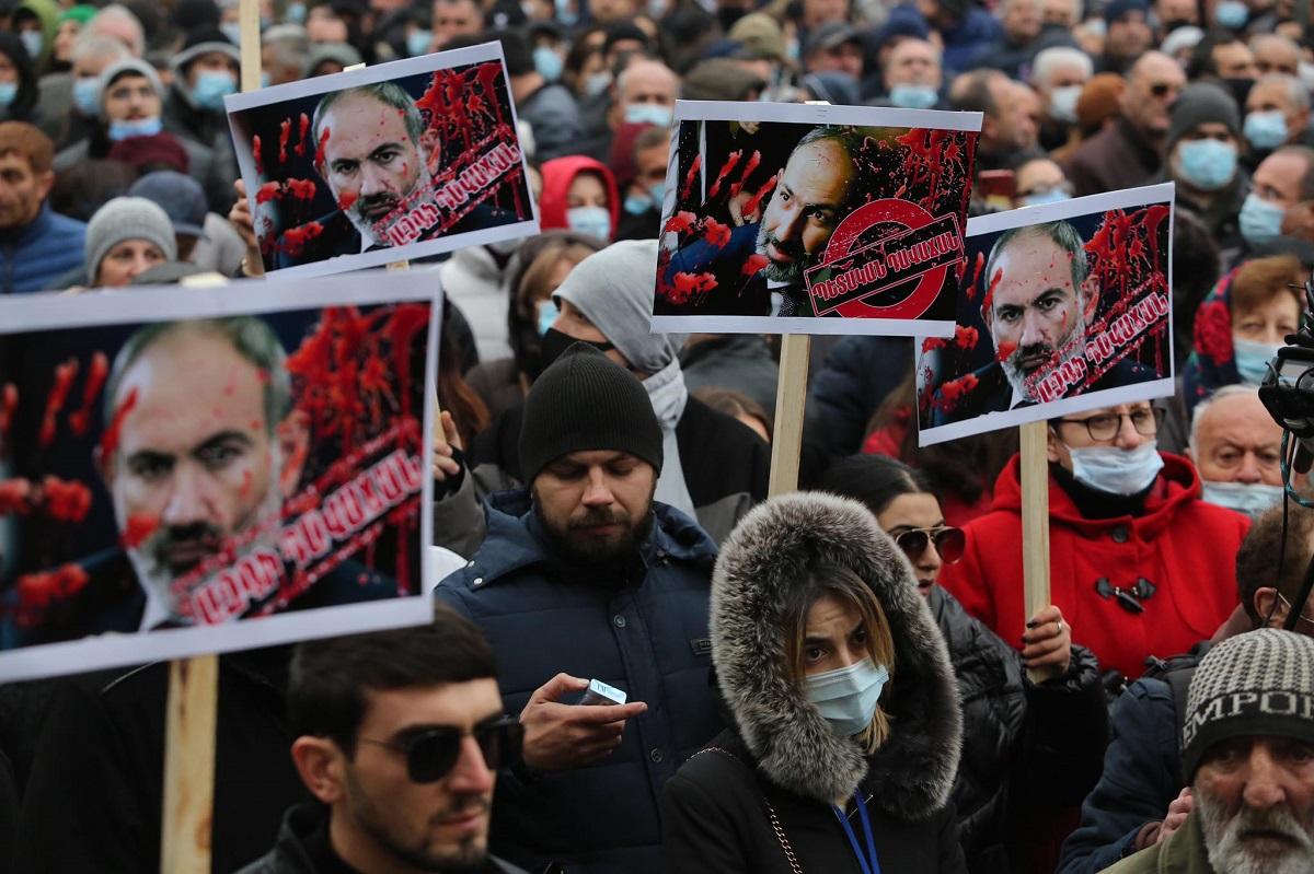 Никол Пашинян, Нагорный Карабах, Арцах, митинг Ереван, оппозиция, ультиматум премьер-министру Армении, Вазген Маукян,