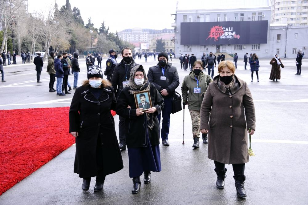 Азербайджан почтил память жертв ходжалинской трагедии