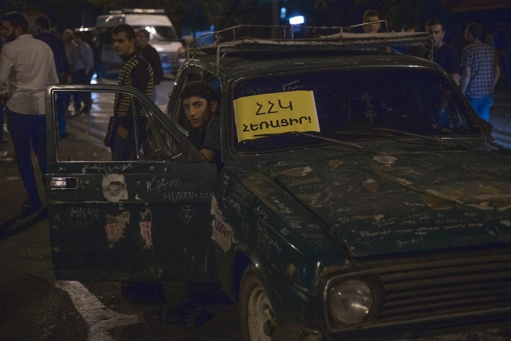 политическая ситуация, Армения, отказ Пашиняна от выборов, чего ждать, новости Армения, Борис Навасардян, президент Ереванского пресс-клуба, Акоп Бадалян, политический обозреватель,