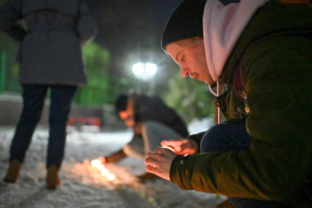 За Навального с фонариками в России Москва