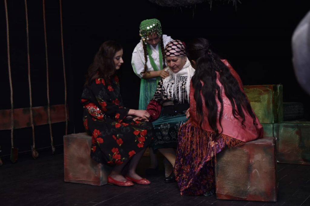 Yazidi theater, Karabakh war, actor, women on stage, performance, Yezidis in Armenia, Yezidis, Yezidis participants in the Karabakh war, Armenian news,