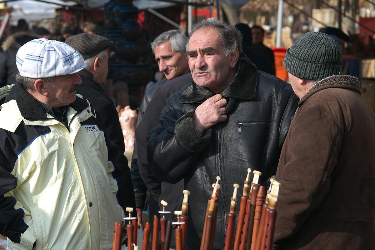 мужчины Ереван