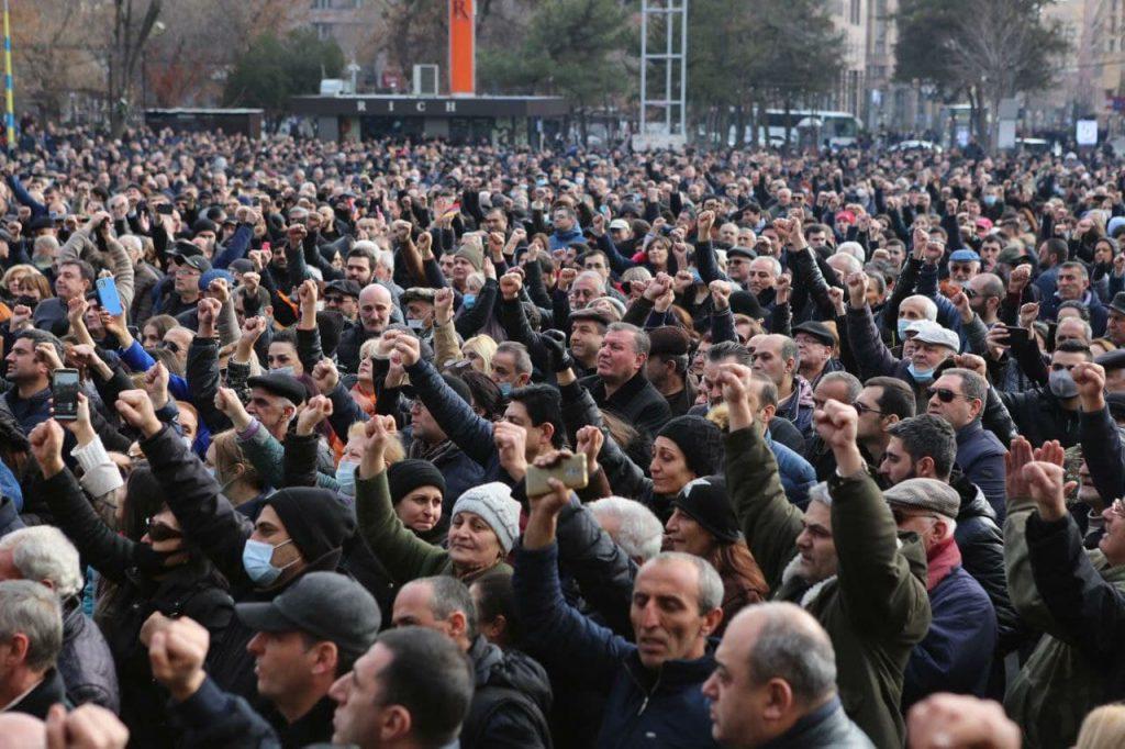 Հայաստանում ճգնաժամը շարունակվում է