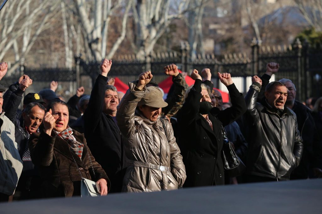 Armenian authorities and opposition start dialogue