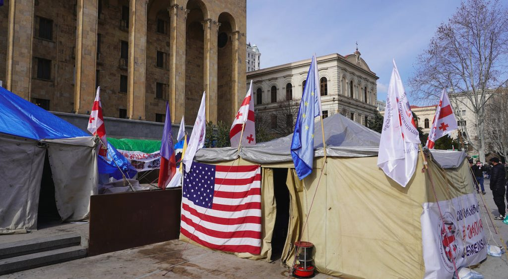 In Tbilisi, the united opposition has set up tents near the parliament building and intends to conduct a permanent protest. Photo by JAMnews / David Pipia