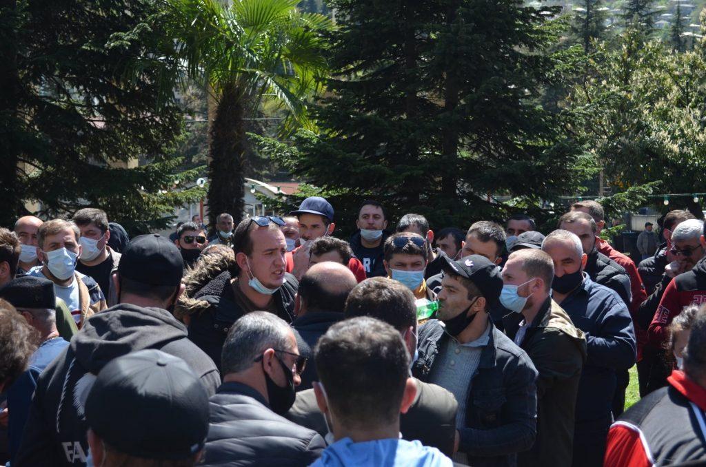 Gürcüstanda 3 min mədənçi tətil elan edib, Çiaturada obyektlər dayandırılıb