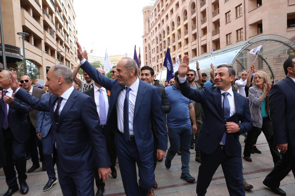 Экс-президент Кочарян основал альянс