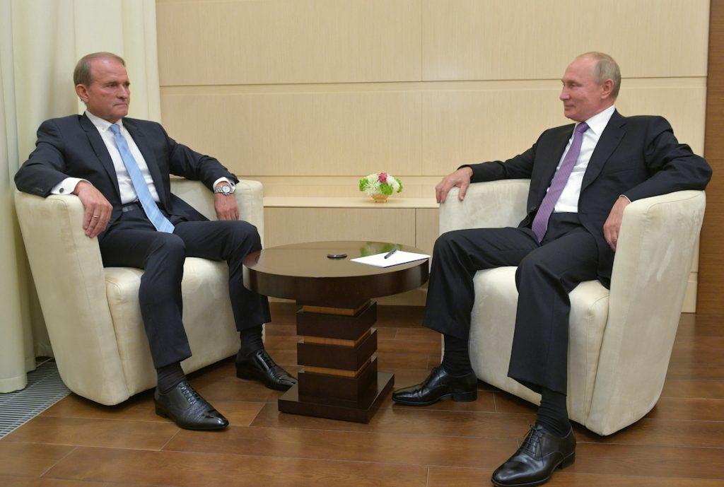 ვიქტორ მედვედჩუკი ვლადიმირ პუტინთან შეხვედრაზე. მოსკოვი, ოქტომბერი 2020. Sputnik/Alexei Druzhinin/Kremlin via REUTERS