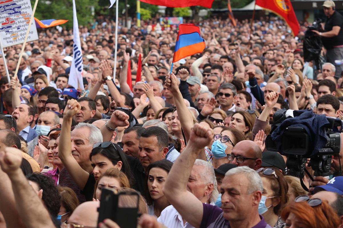 Ermənistanda seçkiqabağı pazl tamamlanır