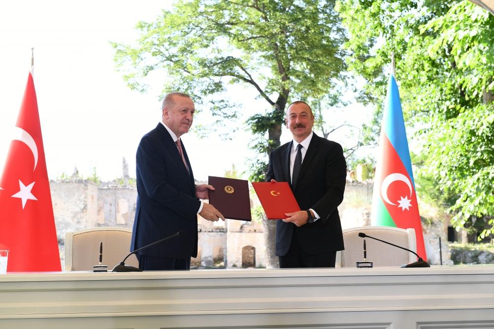 Ադրբեջանն ու Թուրքիան Շուշիում հռչակագիր են ստորագրել