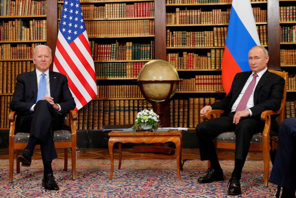 Встреча президентов России и США Владимира Путина и Джозефа Байдена. Женева,  16 июня 2021. REUTERS/Denis Balibouse