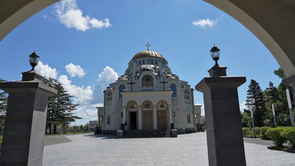Եկեղեցի Փոթի քաղաքում, Վրաստան։ Լուսանկարը՝ Դավիթ Պիպիայի, JAMnews