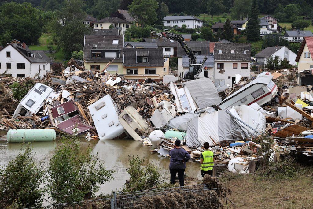 Последствия наводнения в Бад-Мюнстерайфеле, Германия. 19 июля 2021 г. REUTERS/Wolfgang Rattay