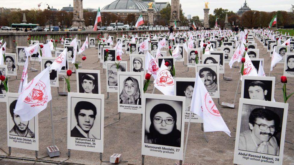 ირანული ოპოზიციის აქტივისტებმა პატივი მიაგეს ირანში სიკვდილით დასჯის მსხვერპლებს. პარიზი, 2019 წელი