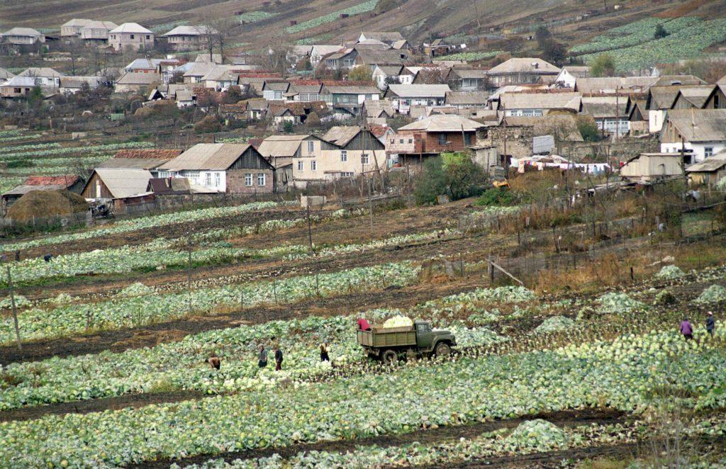 ასე გამოიყურებოდა სოფელი ფიოლეტოვო 2000 წელს
